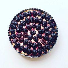 V období švestek je nutné je využít a upéct z nich něco dobrého. Co tedy zdravý… Healthy Desserts, Blackberry, Food And Drink, Fruit, Health Desserts, Blackberries, Rich Brunette, Clean Eating Desserts