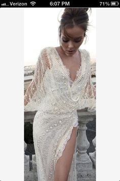 Modern style long sleeve backless sexy wedding dress style