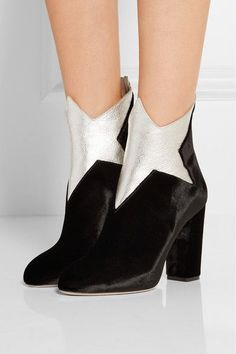 new styles 4a599 37cd3 Heel measures approximately 100mm  4 inches Black velvet, silver metallic…  Botines De Caña