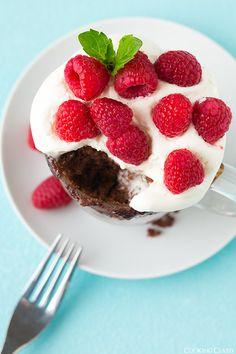 Nutella Mug Cake {5 Minute Dessert}