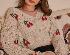 Sequin Sweater, Sweater Cardigan, Hippie Style, Rich Girls, Boho Crochet, Tweed, Oversized Cardigan, Grey Poncho, Crochet One Piece