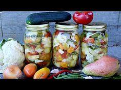 Muraturi cu fructe, asortate este reteta mea preferata de muraturi. Un amestec de fructe si legume, in otet dulce-acrisor. Reteta veche, reteta originala Canning Recipes, Fresh Rolls, Pickles, Cucumber, The Creator, Ethnic Recipes, Food, Youtube, Essen
