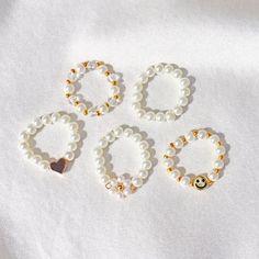 Diy Beaded Rings, Diy Rings, Bead Jewellery, Beaded Jewelry, Beaded Bracelets, Cute Jewelry, Diy Jewelry, Handmade Jewelry, Bracelet Designs
