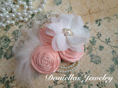 Peach and Ivory Vintage Clip/Vintage Wedding by Daniellasjewels Diy Gifts, Handmade Gifts, Vintage Clip, Hairbows, Flower Brooch, Baby Headbands, Corsage, Ribbon, Ivory