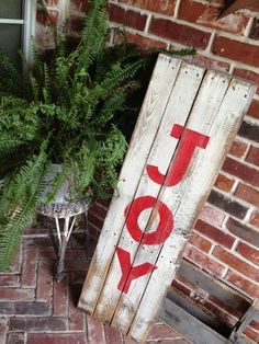 pallet project noel | JOY reclaimed wood holiday sign. $60.00, via Etsy.