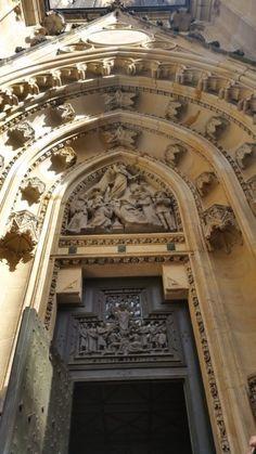Прага- Собор Святого Вита Barcelona Cathedral, Tower, Building, Travel, Viajes, Lathe, Buildings, Traveling, Trips
