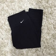 Black Nike Legging! Black cotton leggings! Very comfy and light Nike Pants Leggings
