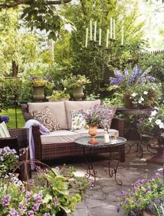 Beautiful! Love the pop of purple in this outdoor space!