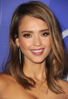 Fall's Most Requested Celebrity Hair Colors - Jessica Alba light brown with honey highlights