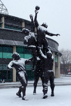 Twickenham stadium in the snow Six Nations Rugby, Twickenham Stadium, World Rugby, Illustrations, Best Cities, The World's Greatest, Corporate Events, Beautiful World, Places To Go