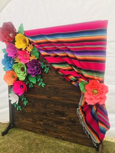 Mexican Birthday Parties, Mexican Fiesta Party, Fiesta Theme Party, Taco Party, Party Themes, Party Ideas, Mexican Party Decorations, Quinceanera Party, Quince Ideas