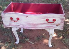 Cute idea-turn old drawers in to planter