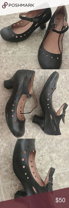 Miz Mooz Black Leather Mary Jane Heels Excellent condition. Gorgeous cutout details. Classic leather shoes with a retro Vintage Vibe. Miz Mooz Shoes Heels