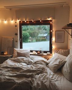 52 Warm and Romantic Bedroom Bed Decoration Ideas These trendy Bedroom ideas would gain you amazing compliments. Check out our gallery for more ideas these are trendy this year. Trendy Bedroom, Cozy Bedroom, Home Decor Bedroom, Modern Bedroom, Bedroom Ideas, Bedroom Bed, Master Bedroom, Contemporary Bedroom, Bed Room