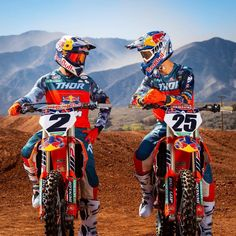This team 🔥 x 📸- x Source IG: Kawasaki Dirt Bikes, Ktm Dirt Bikes, Cool Dirt Bikes, Dirt Bike Racing, Dirt Bike Girl, Dirt Biking, Auto Racing, Motocross Love, Enduro Motocross