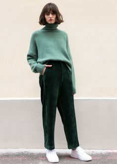 """High Waisted, Relaxed Leg Pants w/2 Side Pockets Back Faux Flap & Welt Pockets Partial Elastic Waist. Not Lined 60% Cotton, 20% Modal, 15% Poly, 5% Span 25"""" Length, 14"""" Rise , 26-28"""" Stretch Waist Dry Clean Imported"""