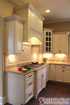 Merveilleux Freeport Maple Vanilla Photo Gallery | Cabinets.com By Kitchen Resource  Direct