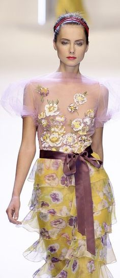 Valentino - who else would mix these colors together and come out above the rest? ♥