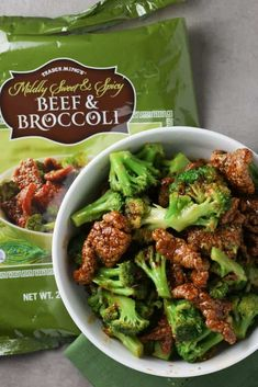 Trader Joe's Mildly Sweet and Spicy Beef and Broccoli Healthy Snacks, Healthy Eating, Healthy Recipes, Trader Joes Frozen Food, Joe Beef, Broccoli Beef, Steamed Broccoli, Frozen Meals, Quick Meals