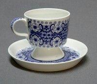 ALI (Arabia) design Kaj Franck, print by Raija Uosikkinen. Coffee Time, Coffee Cups, Vintage Designs, Retro Vintage, Nordic Design, Finland, Tea Pots, Pottery, Dishes