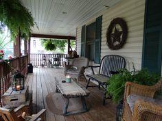 Front porch Cottage Porch, Porch Garden, Home Porch, Outdoor Rooms, Outdoor Living, Outdoor Decor, Southern Porches, Country Porches, Rustic Porches