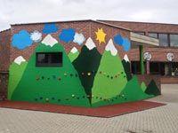 Speelplaatsmeubel: duurzame inrichting basisschool speelplaats Kids Outdoor Play, Outdoor Learning, Outdoor Classroom, Outdoor School, 40 Book Challenge, Learning Spaces, Patio, Kid Spaces, Kids Playing