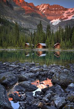 Cabins in Lake O'Hara - Yoho National Park in British Columbia, Canada