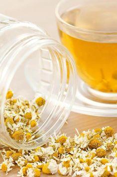 Chamomile Flowers (matricaria chamomilla) - Glenbrook Farm's Herbs and Such Lavender Tea, Fruit Tea, Tea Benefits, Health Benefits, Chamomile Tea, Flower Tea, Tea Blends, My Tea, Tea Recipes