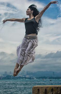 Floating in air von Matthe Reyem