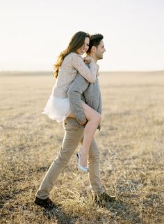 Photo Jobs - Love the soft/ light feel of their clothing together.a light feminine top with jeans could also give this feel. Becky and Mark Engagement « Jose Villa Engagement Outfits, Engagement Couple, Engagement Pictures, Wedding Engagement, Engagement Session, Engagements, Engagement Ideas, Couple Posing, Couple Shoot