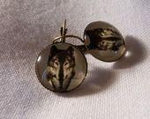 """Boucles d'oreille en bronze """"le loup à la rose"""" : Boucles d'oreille par a-fleur-de-perles"""