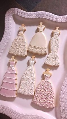 Boho Wedding Dress, Bridal Lace, Bridal Gowns, Wedding Dresses, Lace Wedding, Wedding Dress Cookies, Wedding Favors, Brush Embroidery, Mermaid Gown