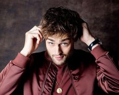 Actor Douglas Booth of 'The Limehouse Golem' poses for a portraits at the Toronto International Film Festival for Los Angeles Times on September 2016 in Toronto, Ontario. Bbc Two, Douglas Booth, Great Expectations, Festival 2016, Boy George, Guys Be Like, International Film Festival, Hot Boys, Poses