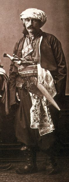 Ethnographic Arms & Armour - Period Photos of People with Ethnographic Arms Empire Ottoman, Semitic Languages, Ottoman Turks, Grandeur Nature, Pilgrim, Historical Photos, Rugs On Carpet, Old Photos, Weapons