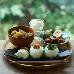 Learn how to arrange one plate and enjoy cafe rice ♡ Japanese Food Sushi, Japanese Dishes, Food Design, B Food, Masterchef, Exotic Food, Cafe Food, Aesthetic Food, Teller