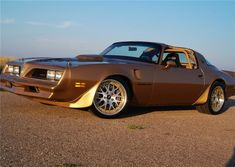 The 1978 PONTIAC TRANS AM Telly Violetto drove in the 2010 #OUSCI is headed to the auction block at Barrett-Jackson