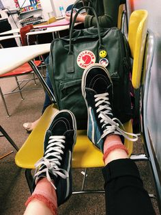 Original Vans Authentic Shoes For Women and Men Mochila Kanken, Kanken Backpack, Tumbrl Girls, Vsco, Mode Hijab, High Top Sneakers, Backpacks, My Style, How To Wear
