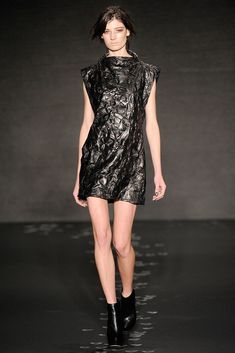 Cushnie et Ochs Fall 2010 Ready-to-Wear Collection - Vogue