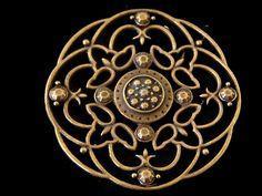 HEOV -08 Herraje especial, color oro viejo, ideal para engarzar piedra, cristal y perla, , medidas 5 cm de diámetro, único precio pieza $9.90 pesos
