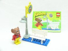 LEGO 3719 FABULAND VINTAGE SET - BUS STOP WITH MAXIMILIAN MOUSE. We owned this!