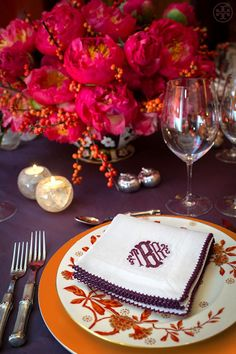 A glimpse of Tory Burch's Thanksgiving table - beautiful! Love the arrangement.