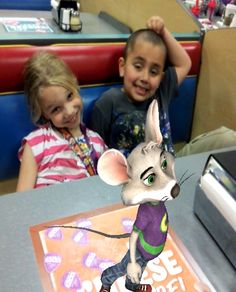 Friends #saycheese with Chuck E.!