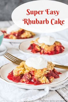 This rhubarb dump cake is a super easy dessert that anyone can make! Less than 5 minutes of active time, no mixer, and a few simple ingredients are all you need! This recipe is a keeper! Easy No Bake Desserts, Homemade Desserts, Delicious Desserts, Yummy Food, Summer Desserts, Yummy Eats, Summer Recipes, Rhubarb Dump Cakes, Cake Recipes