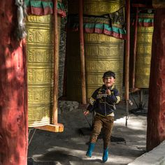 Prayer Wheels - a, Sichuan