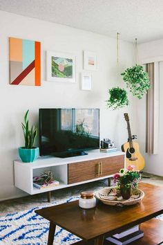 80+ Sweet DIY Couple Apartment Decorating Ideas #apartmentgardening #apartmentdecor #apartmentideas