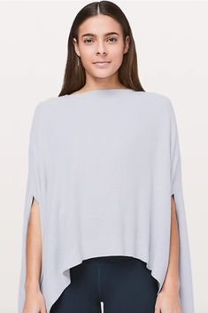 Designed with warmth and versatility in mind, this transitional layering piece is perfect for travel days and walks to the studio. *this is an affiliate link Women's Fitness, Fitness Fashion, Athletic Women, Athletic Wear, Warm Outfits, Winter Outfits, Fit Women, Women Wear, Winter Wear