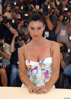 "Monica Bellucci attends the ""Irreversible"" Photocall at the 55th Annual Cannes Film Festival on May 24, 2002 in Cannes, France."