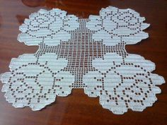 Room set model with rose - # Crochet Tablecloth, Crochet Doilies, Crochet Lace, Unique Crochet, Beautiful Crochet, Yarn Crafts, Diy And Crafts, Cross Flag, Crochet Symbols
