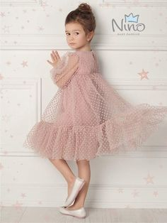 New baby girl outfits spring kid styles Ideas Fashion Kids, Little Girl Fashion, Fashion Games, Fashion Spring, Fashion Clothes, Fashion Dresses, Little Girl Dresses, Girls Dresses, Flower Girl Dresses