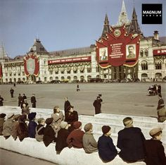 Moscow. 1947. Young visitors wait to see Lenin's Tomb in Red Square//Robert Capa